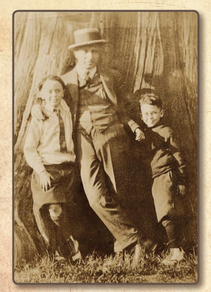 Sam Nemetz, with sons Nathan and Hermie at Stanley Park, Vancouver, 1925